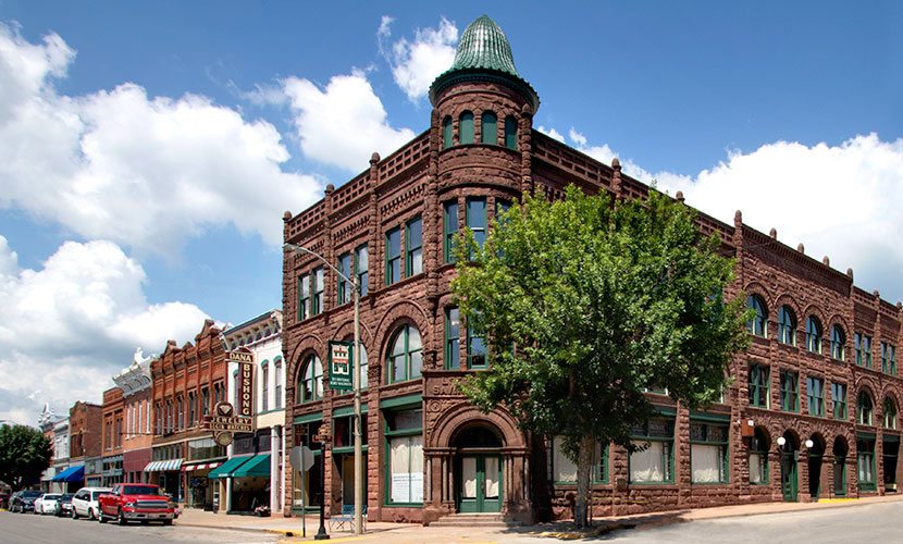 Downtown Fort Madison Image 1